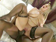 Dicke Blondine will interracial Sex