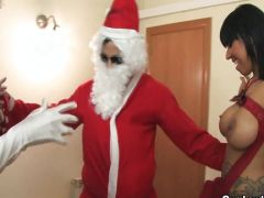 Fickhuren bumsen den Weihnachtsmann